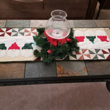 Gnomes Table Runner: Part 1